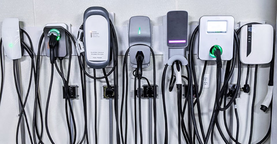 How to choose an electric car charger?
